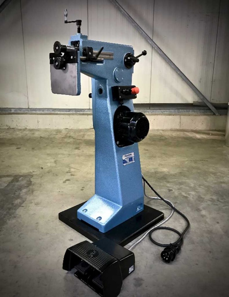 Werkstatt-Sickenmaschine